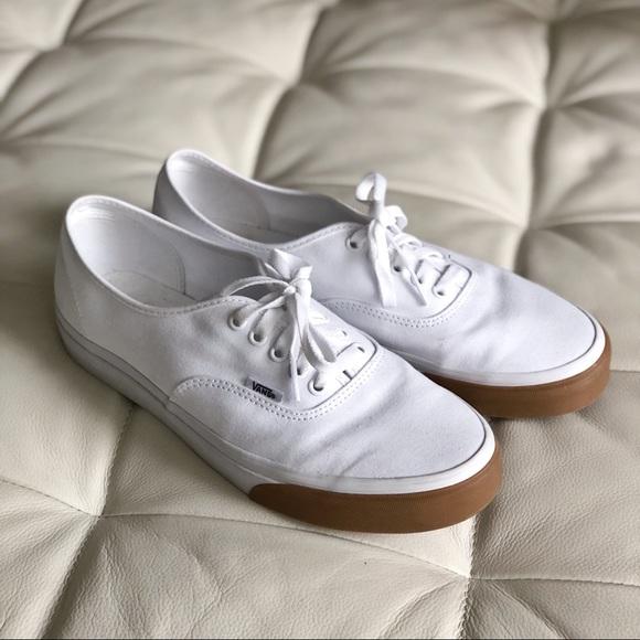 9925ddeed96904 Vans Authentic White Gum Bumper Shoes. M 5b00b5b9b7f72bfe26f8b1e2